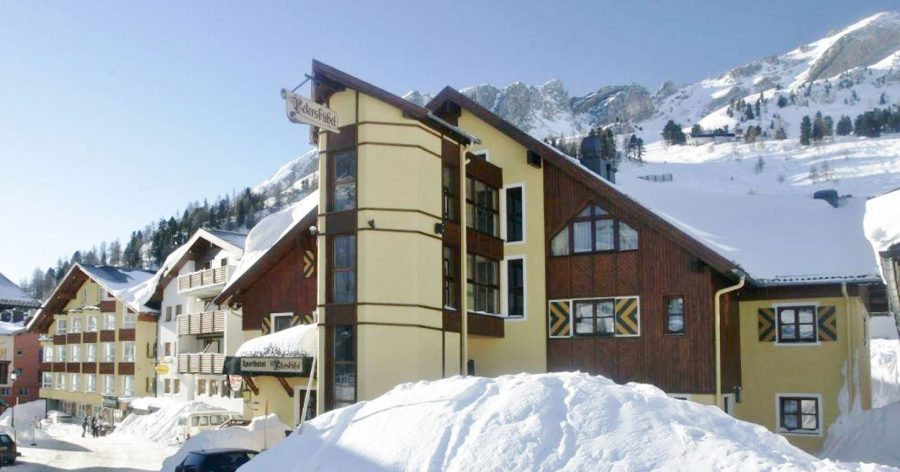 hotel in obertauern direct aan de piste